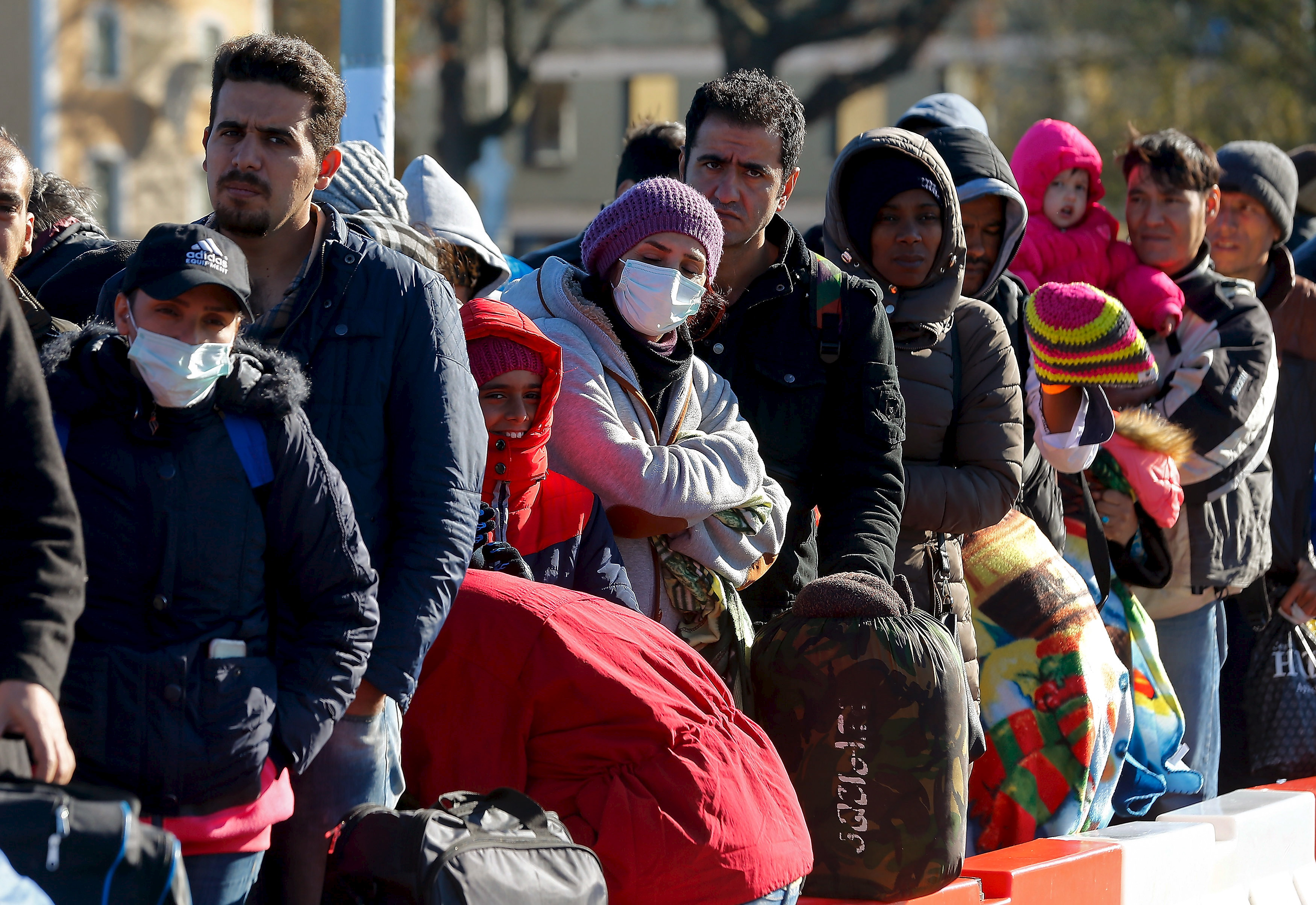 Pew: Nearly 20% of world's migrant population lives in the US