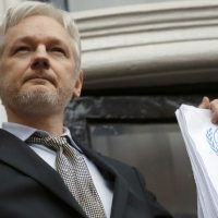Julian Assange Pounds Eric Holder Into Dirt For Claiming Russians Attacked US During 2016 Election