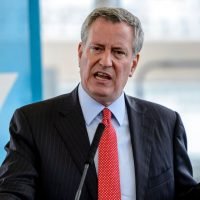 De Blasio SUV parks in bike lane as mayor works out at gym