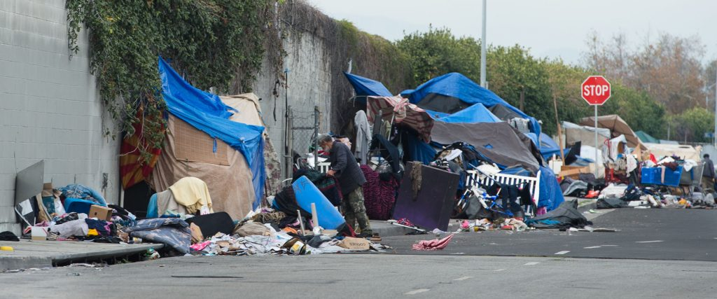 Report homelessness in los angeles has surged by 75 for Homeless shelters los angeles