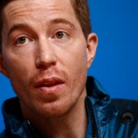 VIDEO: American Olympian Shaun White steps on, drags flag across ground