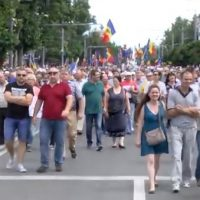 Moldovans Protest In Chisinau Over Annulment Of Pro-EU Mayoral Election Victory