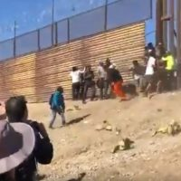 'Record-setting' day as 700 illegals apprehended near El Paso — Migrant groups hand food, water through fence