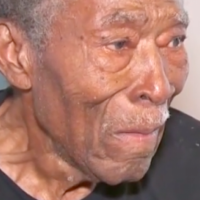 Cops Help 92-Year-Old WW2 Veteran Who Was Using Stove to Keep Warm