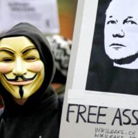 Pro-WikiLeaks Hackers Warn UK Gov: 'Free Assange or Chaos is Coming for You' (INTERVIEW)
