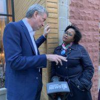 NYC woman flies to Iowa, confronts de Blasio over city's public housing