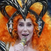 """Cher Tweets That She Wants Trump To Be """"Boy Toy"""" Raped In Prison by """"Bubba,"""" Refuses To Apologize"""