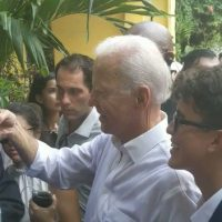 VIDEO: Biden ducks behind palm tree when confronted on Obama deportations