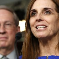 Arizona's McSally Introduces Resolution to End Senate Salaries Until Stimulus Passes
